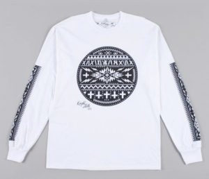 Circle patch' tee in white with black.