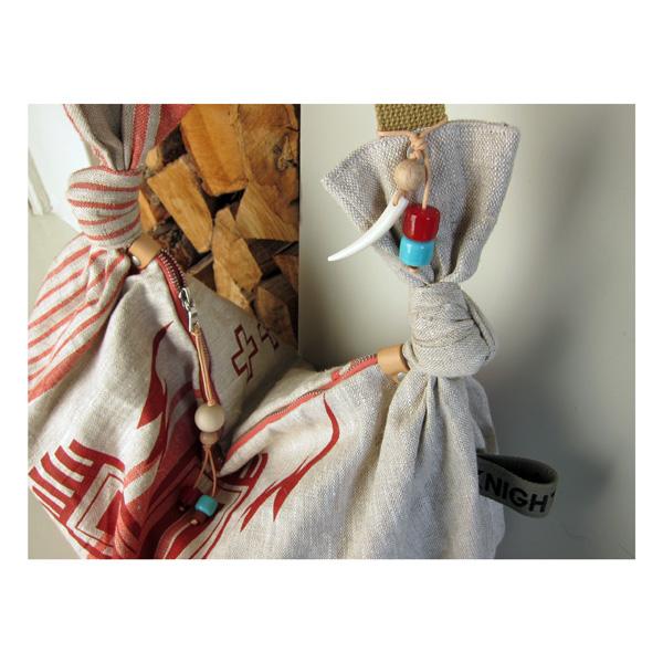 Tinder hobo sling bag details